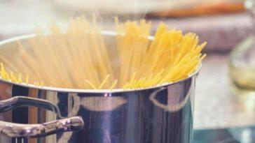 De l'eau froide ou de l'eau bouillante pour faire cuire ses pâtes ? Le choix est le vôtre!