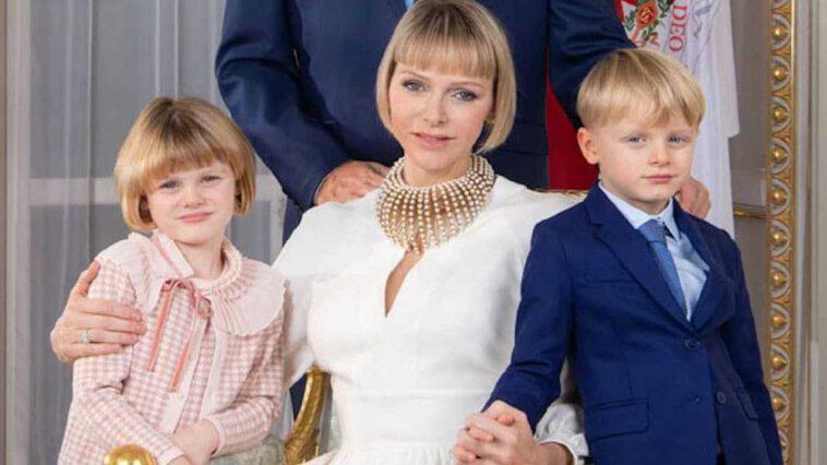 Charlène de Monaco « en manque de ses enfants » la princesse s'est réfugiée dans la foi pour tenir