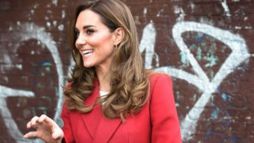 Kate Middleton scintillante total look rouge pour s'attaquer à un sujet sensible